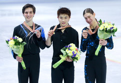 Джошуа Фаррис, Янь Хань и Джейсон Браун (слева направо)