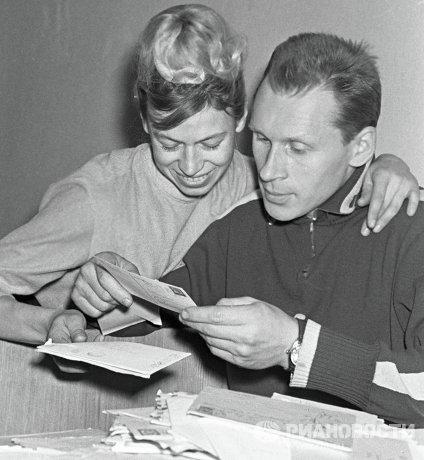 Олимпийские чемпионы по фигурному катанию Людмила Белоусова и Олег Протопопов