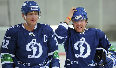 Alex Ovechkin (left) and Leo Komarov
