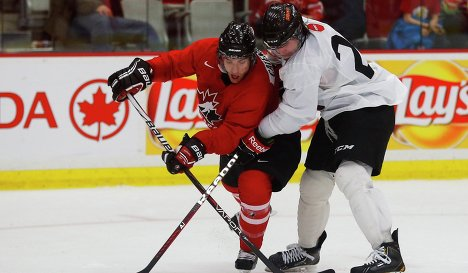 Игровой момент матча сборной Канады - Канадского университета