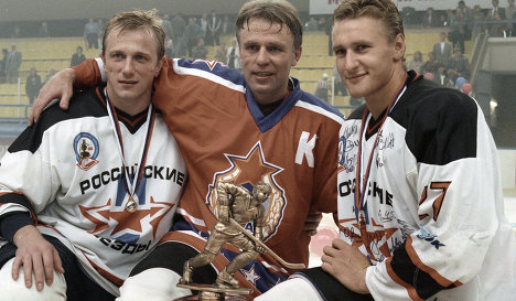 Slava Fetisov (in the center), Sergey Nemchinov (left), Alex Kovalev (right)