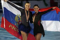 Аделина Сотникова и Елизавета Туктамышева (слева направо)