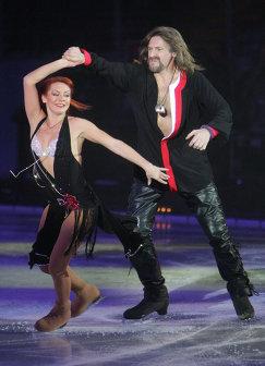 "Гала-концерт ""Танцы на льду"""