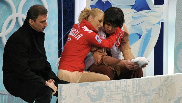 Олег Васильев со своими учениками Максимом Траньковым и Марией Мухортовой