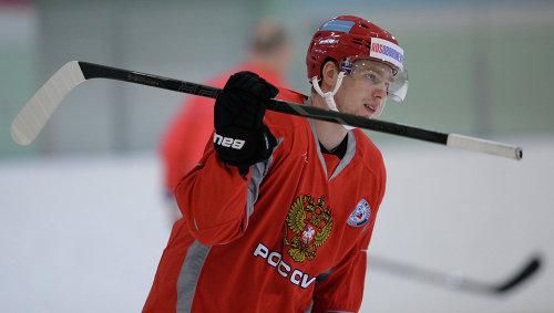 Евгений Кузнецов на тренировке мужской сборной России по хоккею