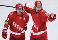 """Игроки ХК """"Витязь"""" Дмитрий Шитиков (слева) и Яков Селезнев"""
