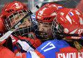 Ия Гаврилова, Анна Шохина и Екатерина Смоленцева радуются забитому голу