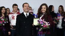 Дмитрий Медведев и олимпийская чемпионка в фигурном катании Аделина Сотникова