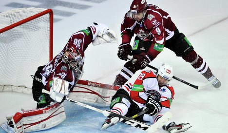 Action from the Donbass-Dinamo game Monday