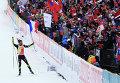 Мартен Фуркад (Франция) на финише гонки с масс-старта