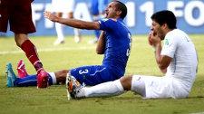 Инцидент с Суаресом и гол Година - что принес матч Уругвая с Италией