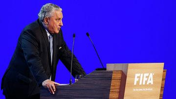 Клубы тратят сверх меры и могут обанкротиться, считает вице-президент ФИФА Бойс