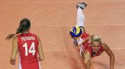 Волейболистки сборной России Ирина Фетисова (слева) и Анастасия Бавыкина