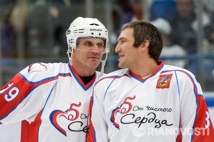 """Хоккей. Благотворительный матч """"От чистого сердца"""""""