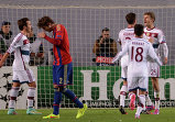 "Нападающий ""Баварии"" Томас Мюллер (справа) радуются своему забитому голу"
