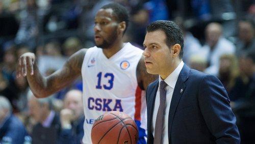 Главный тренер ЦСКА Димитриос Итудис в матче Единой Лиги ВТБ.