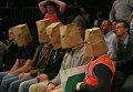"""Болельщики клуба НБА """"Нью-Йорк Никс"""" на домашнем матче против """"Хьюстон Рокетс"""""""